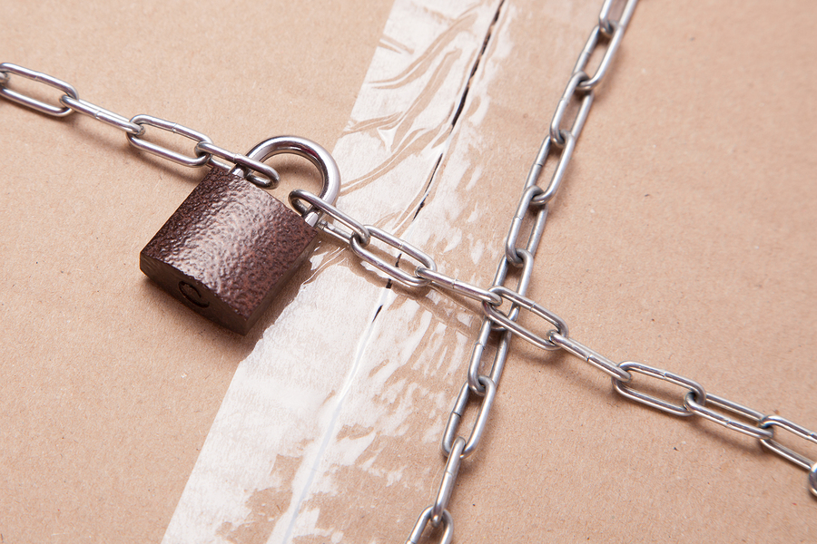 5 Signs Your Multifamily Building Is Falling Victim to Package Theft
